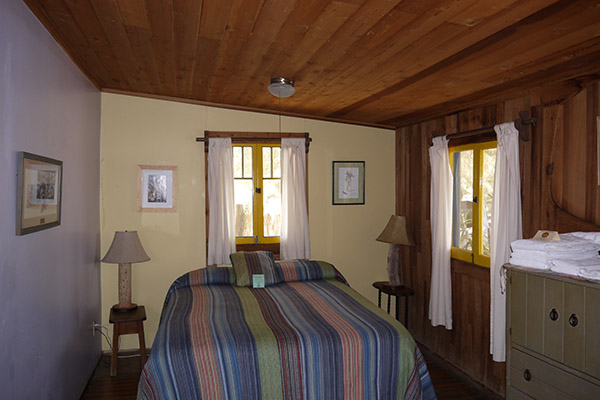 Second queen bed in Gold Park Cabin